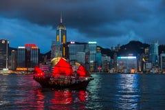 Το σκάφος πανιών Aqua Luna στο Χονγκ Κονγκ τή νύχτα Στοκ Φωτογραφία
