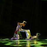 Το σκιά-Dai του δέντρου μπανανών ο ζεύγος-εθνικός λαϊκός χορός Στοκ φωτογραφία με δικαίωμα ελεύθερης χρήσης