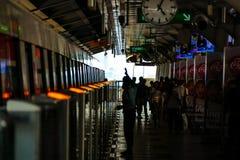 Το σκοτάδι στο σταθμό μετρό της Μπανγκόκ, Ταϊλάνδη Στοκ Φωτογραφία