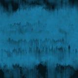 Το σκούρο μπλε μελάνι grunge τρέχει και κτυπά το υπόβαθρο στοκ εικόνα
