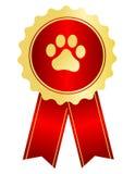 Το σκυλί παρουσιάζει κορδέλλα βραβείων Στοκ εικόνα με δικαίωμα ελεύθερης χρήσης