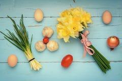 Το σκόρδο κρεμμυδιών ανθίζει τα αυγά Στοκ Φωτογραφίες