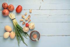 Το σκόρδο κρεμμυδιών ανθίζει τα αυγά Στοκ Εικόνες