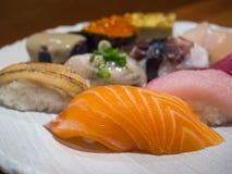 Το σούσι είναι ιαπωνικά τρόφιμα πολυτέλειας Στοκ Εικόνα