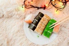 Το σούσι κυλά τα Χριστούγεννα Στοκ Εικόνες