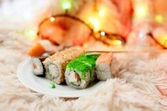 Το σούσι κυλά τα Χριστούγεννα Στοκ Φωτογραφίες