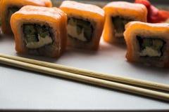 Το σούσι κυλά την πιπερόριζα και το wasabi Στοκ φωτογραφία με δικαίωμα ελεύθερης χρήσης