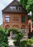 το σπίτι αξόνων παλαιό αυξήθ& στοκ φωτογραφία με δικαίωμα ελεύθερης χρήσης