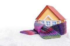 Το σπίτι είναι τυλιγμένο σε ένα μαντίλι Στοκ φωτογραφία με δικαίωμα ελεύθερης χρήσης