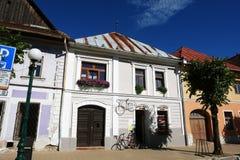 Το σπίτι με δύο ποδήλατα Στοκ Εικόνες