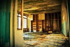 το σπίτι παραμέλησε παλαιό στοκ φωτογραφία με δικαίωμα ελεύθερης χρήσης