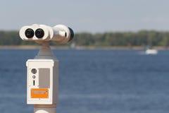 Το στάσιμο πληρωμένο τομέας-γυαλί εξέτασης στην αποβάθρα Στοκ φωτογραφία με δικαίωμα ελεύθερης χρήσης