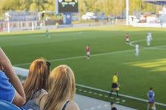 Το στάδιο με τους ανεμιστήρες Στοκ φωτογραφία με δικαίωμα ελεύθερης χρήσης