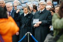 Το Στρασβούργο κρατά το σιωπηλό vigil για εκείνους που σκοτώνονται στην επίθεση του Παρισιού Στοκ Εικόνες