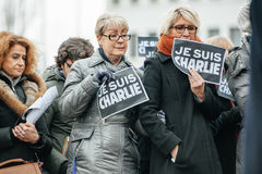 Το Στρασβούργο κρατά το σιωπηλό vigil για εκείνους που σκοτώνονται στην επίθεση του Παρισιού Στοκ φωτογραφίες με δικαίωμα ελεύθερης χρήσης