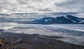 Το στόμα ενός παγετώνα από την κορυφή Στοκ Εικόνα