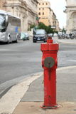 Το στόμιο υδροληψίας πυρκαγιάς στην οδό Στοκ εικόνες με δικαίωμα ελεύθερης χρήσης