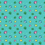 Το σχέδιο εικονοκυττάρου με το μανιτάρι και το τριφύλλι τύχης Στοκ Φωτογραφία