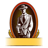 Το σχέδιο ετικετών μπύρας περιέχει τις εικόνες της μπύρας κατανάλωσης ατόμων κινούμενων σχεδίων Στοκ εικόνα με δικαίωμα ελεύθερης χρήσης