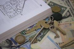 Το σχέδιο ορόφων κλειδώνει τα μετρητά και το υπόβαθρο νομισμάτων Στοκ εικόνα με δικαίωμα ελεύθερης χρήσης