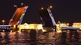 Το σχεδιάγραμμα της γέφυρας παλατιών στη φωτογραφία χρονικού σφάλματος του ST Peteruburge απόθεμα βίντεο