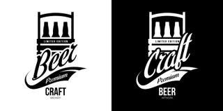 Το σύγχρονο ποτό μπύρας τεχνών απομόνωσε το διανυσματικό σημάδι λογότυπων για το ζυθοποιείο, το μπαρ, brewhouse ή το φραγμό διανυσματική απεικόνιση