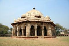 το σύνθετο Δελχί καλλιεργεί humayun καθορισμένος τάφος μαυσωλείων s της Ινδίας isa ισλαμικός khan εξωραϊσμένος Στοκ Εικόνες