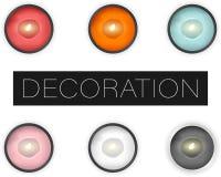 Το σύνολο διανυσματικών ρεαλιστικών κεριών με τα φω'τα που απομονώνονται, επίπεδο βάζει τη τοπ άποψη διανυσματική απεικόνιση