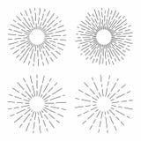 Το σύνολο εκλεκτής ποιότητας ηλιοφάνειας στις γραμμές διαμορφώνει, γραμμικός ακτινωτός αναδρομικός ήλιος έκρηξης για τον πολιτισμ διανυσματική απεικόνιση