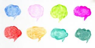 Το σύνολο ζωηρόχρωμων λεκτικών φυσαλίδων watercolor ή σύννεφων συνομιλίας, συρμένη χέρι ομιλία βράζει απεικόνιση βουρτσών waterco διανυσματική απεικόνιση