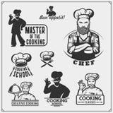 Το σύνολο μαγειρεύοντας κατηγοριών με τον αρχιμάγειρα μαγειρεύει τα εμβλήματα, τις ετικέτες και τα στοιχεία σχεδίου απεικόνιση αποθεμάτων