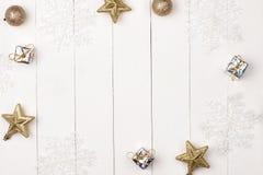Το σύνολο Χριστουγέννων αποτελεί τα προϊόντα καλλυντικών Επίπεδος βάλτε Στοκ φωτογραφία με δικαίωμα ελεύθερης χρήσης