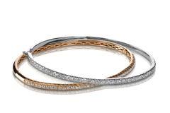 Το σύνολο βραχιολιών διαμαντιών αυξήθηκε και άσπρος χρυσός Στοκ Φωτογραφίες