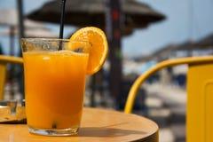 Το σύνολο γυαλιού φρέσκου ο χυμός από πορτοκάλι Στοκ εικόνα με δικαίωμα ελεύθερης χρήσης