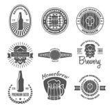 Το σύνολο εκλεκτής ποιότητας λογότυπου, διακριτικού, εμβλήματος ή logotype στοιχείων για την μπύρα, κατάστημα, σπίτι παρασκευάζει ελεύθερη απεικόνιση δικαιώματος