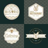 Το σύνολο διακριτικών, ετικετών και λογότυπων για το εστιατόριο τροφίμων, τρόφιμα ψωνίζει και τομέας εστιάσεως με το σχέδιο διανυσματική απεικόνιση