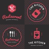 Το σύνολο διακριτικών, ετικετών και λογότυπων για το εστιατόριο τροφίμων, τρόφιμα ψωνίζει και τομέας εστιάσεως απεικόνιση αποθεμάτων