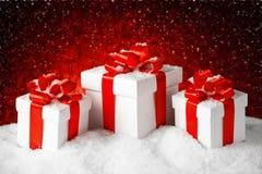 Το σύνολο Χριστουγέννων κιβωτίου δώρων παρουσιάζει Στοκ φωτογραφία με δικαίωμα ελεύθερης χρήσης