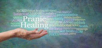 Το σώμα σας σχεδιάζεται σε μόνο θεραπεύει - δοκιμάστε τη θεραπεία Pranic στοκ εικόνα
