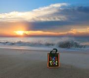Το τέχνασμα ή μεταχειρίζεται στην παραλία Στοκ Φωτογραφία