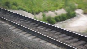 Το ταξίδι με το τραίνο Πυροβολισμός από το παράθυρο ενός κινούμενου τραίνου, διαδρομές σιδηροδρόμου, ράγες, κοιμώμεοί φιλμ μικρού μήκους