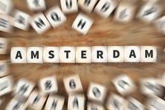 Το ταξίδι πόλεων κωμοπόλεων του Άμστερνταμ που ταξιδεύει χωρίζει σε τετράγωνα την επιχειρησιακή έννοια Στοκ Εικόνες