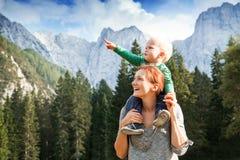 Το ταξίδι, εξερευνά, οικογένεια, μελλοντική έννοια Στοκ φωτογραφία με δικαίωμα ελεύθερης χρήσης