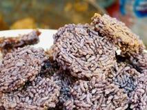 Το ταϊλανδικό τριζάτο ρύζι, ταϊλανδική κροτίδα ρυζιού, κλείνει επάνω στοκ φωτογραφίες