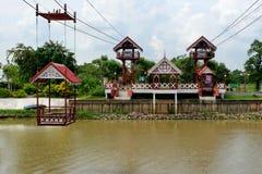 Το τελεφερίκ που διασχίζει τον ποταμό στοκ εικόνες με δικαίωμα ελεύθερης χρήσης