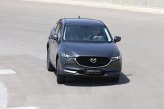 Το τεστ δοκιμής της δεύτερης γενιάς η Mazda CX-5 διασταύρωση SUV Στοκ Εικόνα