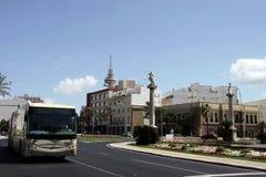 Το τετράγωνο συνταγμάτων είναι ένα από τα κύρια τετράγωνα του Καντίζ Σε αυτό το τετράγωνο είναι ο διάσημος χωμάτινος πύργος πυλών στοκ φωτογραφίες με δικαίωμα ελεύθερης χρήσης
