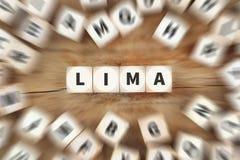 Το της Λίμα ταξίδι πόλεων κωμοπόλεων που ταξιδεύει χωρίζει σε τετράγωνα την επιχειρησιακή έννοια Στοκ Εικόνες