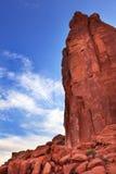 Το τμήμα λεωφόρων πάρκων πύργων βράχου σχηματίζει αψίδα το εθνικό πάρκο Moab Γιούτα Στοκ φωτογραφία με δικαίωμα ελεύθερης χρήσης