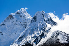 Το τοπίο βουνών των Ιμαλαίων, επικολλά Ama Dablam Στοκ φωτογραφία με δικαίωμα ελεύθερης χρήσης
